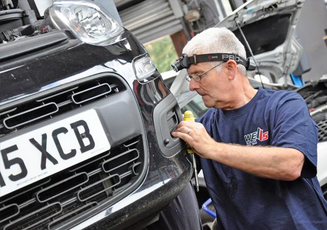 Wells Garage Ringwood Gary Grayton Mechanic